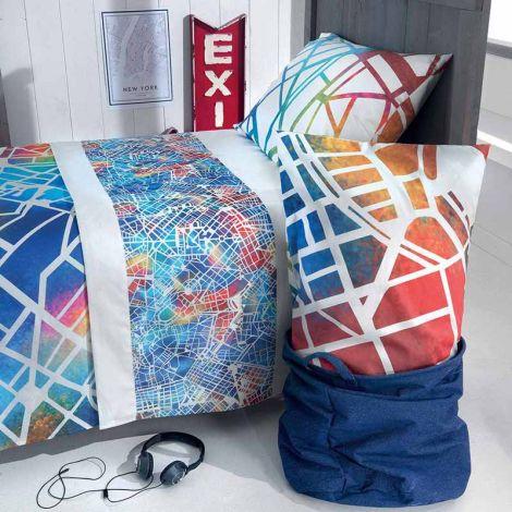 lenzuolo stampato con colori vivaci, la stampa da entrambe il lati lo rende adatto ad essere utilizzato anche senza copriletto, stampa tipo mappa di città stilizzata colori toni di blu e arancio