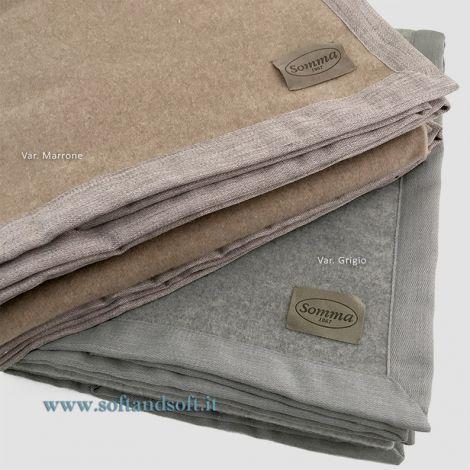 coperta in pura lana Somma disponibile in due colori grigia e marrone