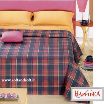 Copriletto doppiato, da un lato è un copriletto dal lato interno è una coperta lana, disegno a quadretti blu rosa e giallo