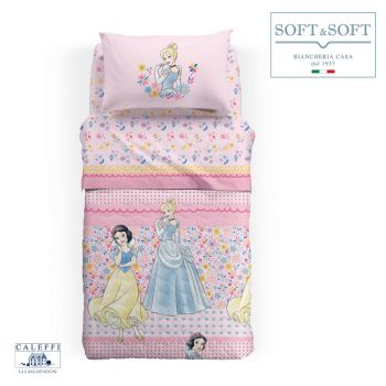 copriletto principesse Disney rosa con disegnate sopra Cenerentola e Rosaspina