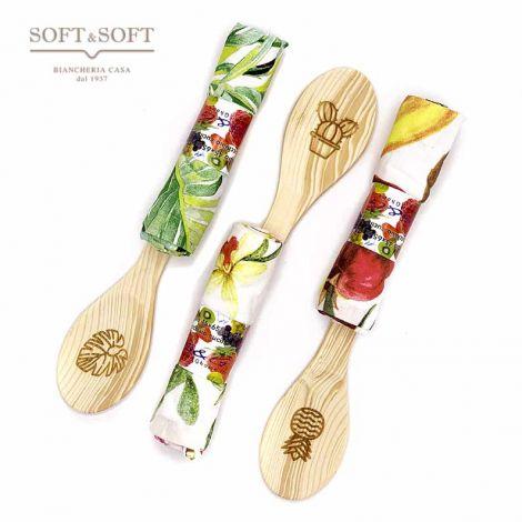 Cucchiaio di legno da cucina + strofinaccio